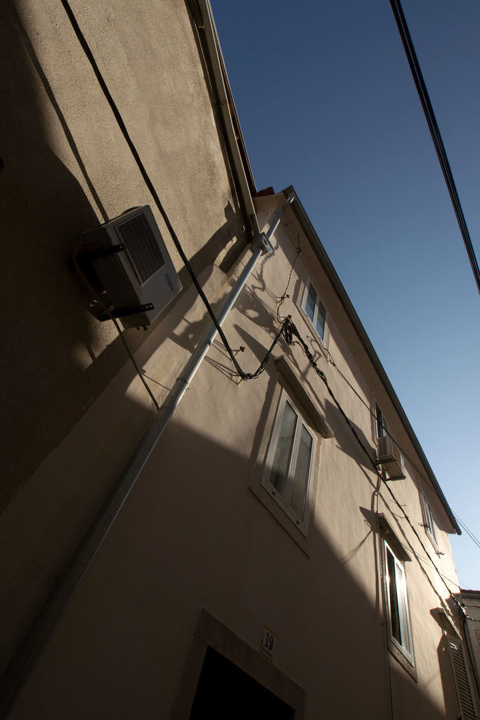 Click to enlarge: Krk Wiring and AC