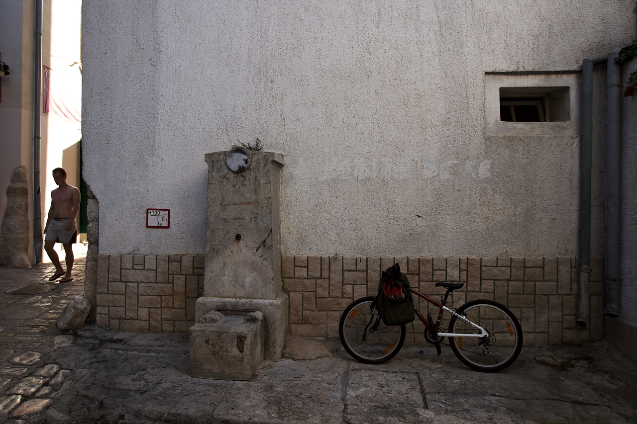Click to enlarge: Man / Fountain / Bicycle