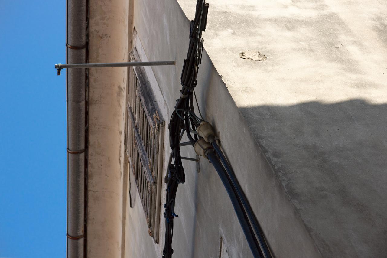 Click to enlarge: Krk Wires v2