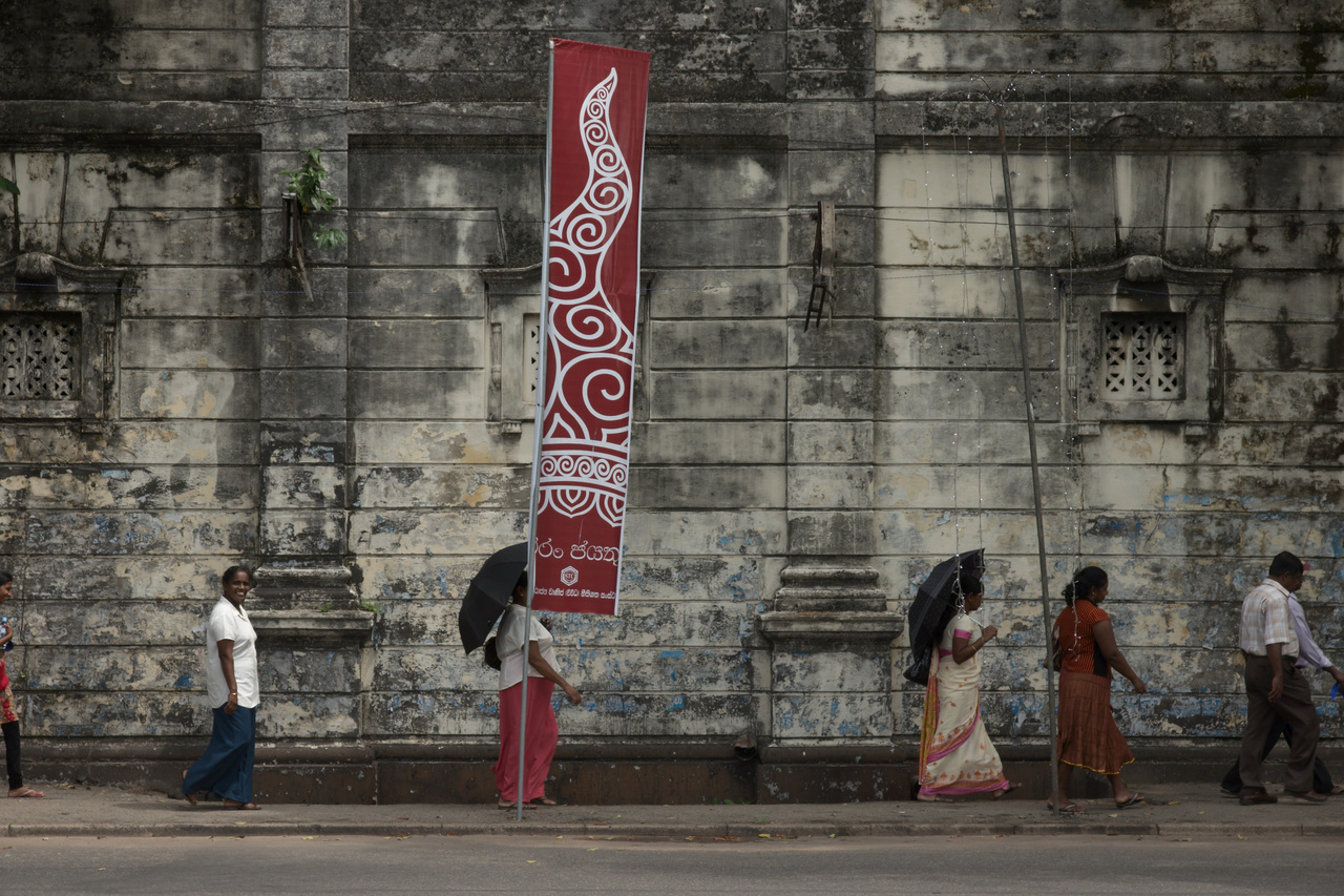 Click to enlarge: Classical Colombo 1 [f/9, 1/250 sec, 60mm-e, ISO 200, Sony A700]