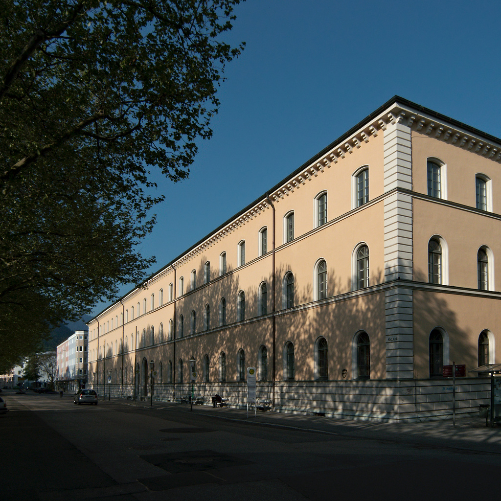 "Click to enlarge: Royal Administration Building, vulgo ""Beamtenstock"" [f/5, 1/1000 sec, 5mm-e, ISO 100, DMC-LX3]"