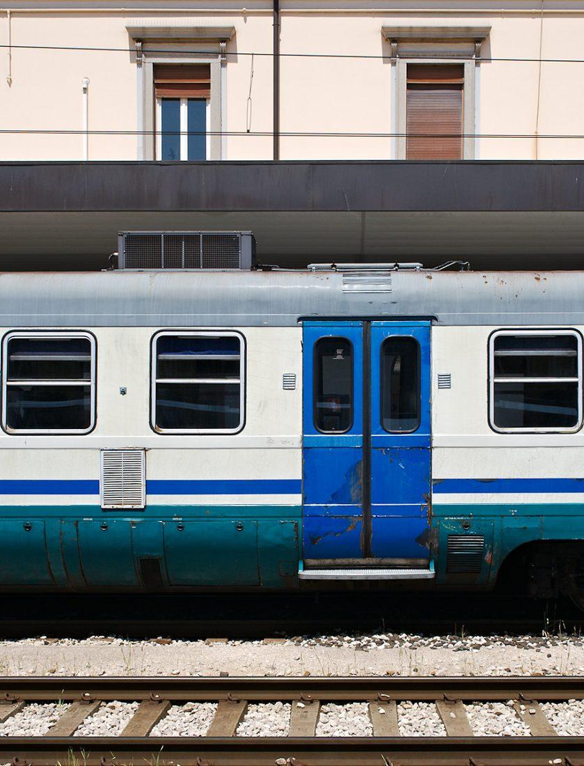Windows - Door - Tracks: Italy, Spillover, train