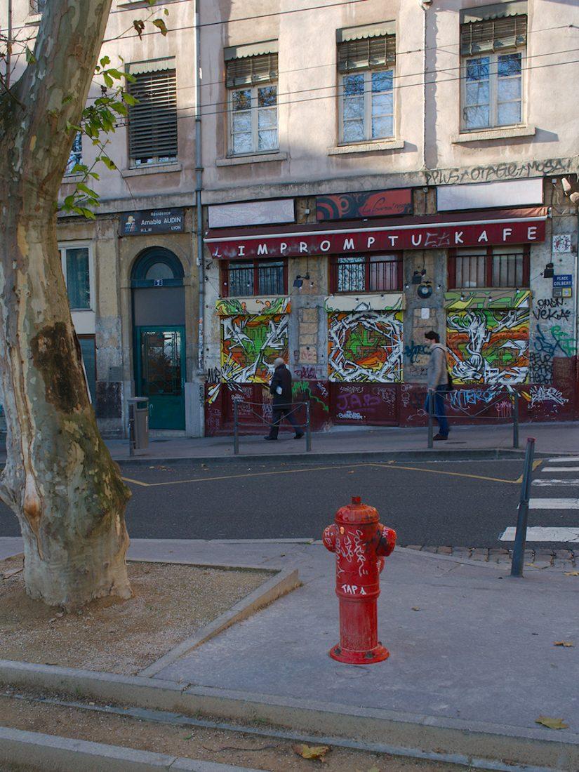 Impromptu Kafe: Blog, Main Blog, Urban, graffiti, hydrant
