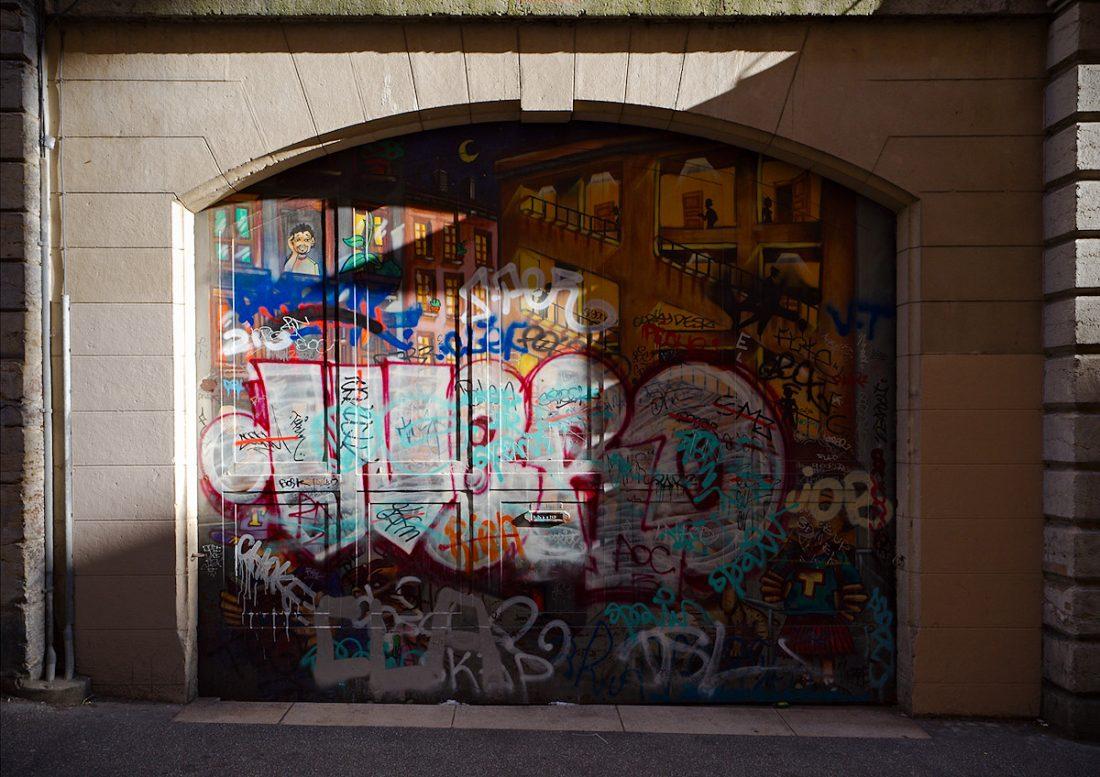 Layers and Shadows: Blog, Graffiti, Urban