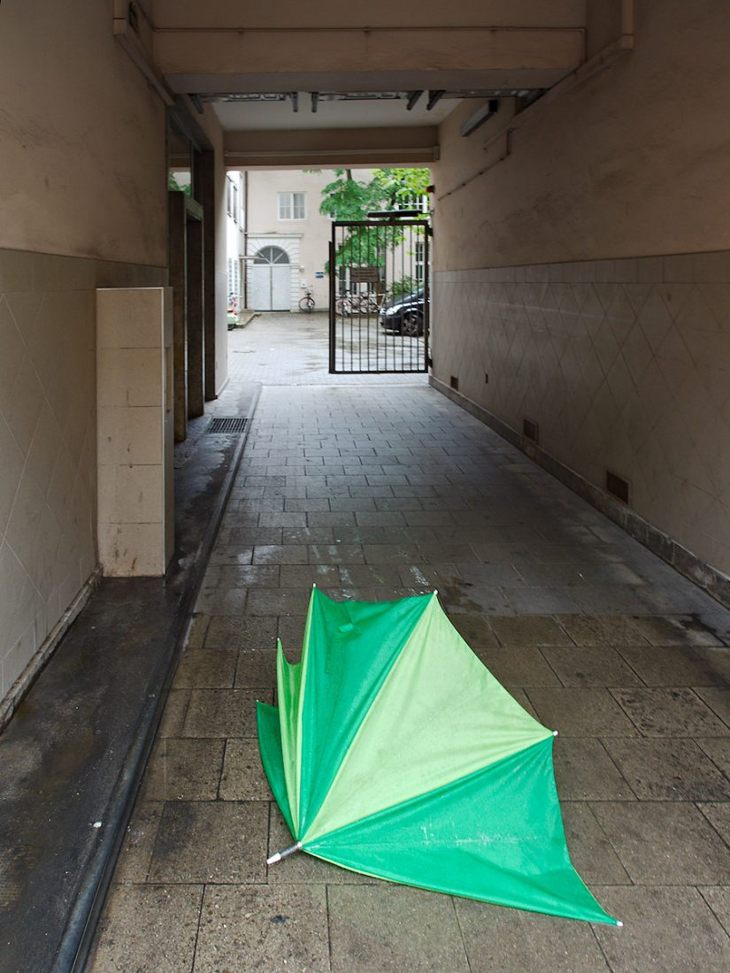 Dysfunct & Discarded: Blog, Urban, green, umbrella