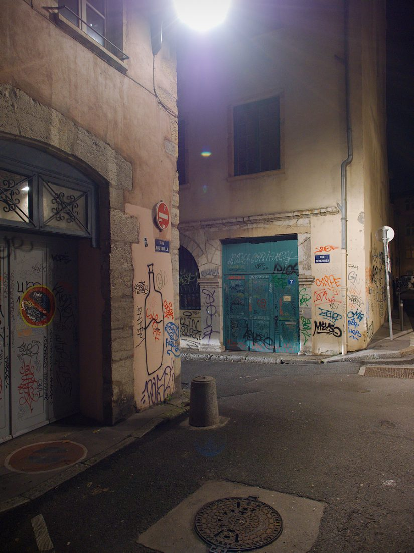 Lonely Bottle: Blog, Graffiti, Urban, night