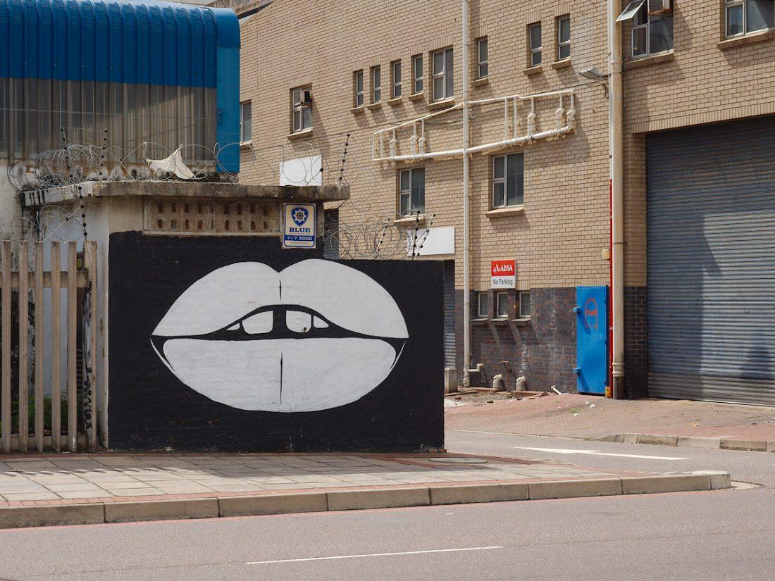 Kiss: Blog, Mural, Urban