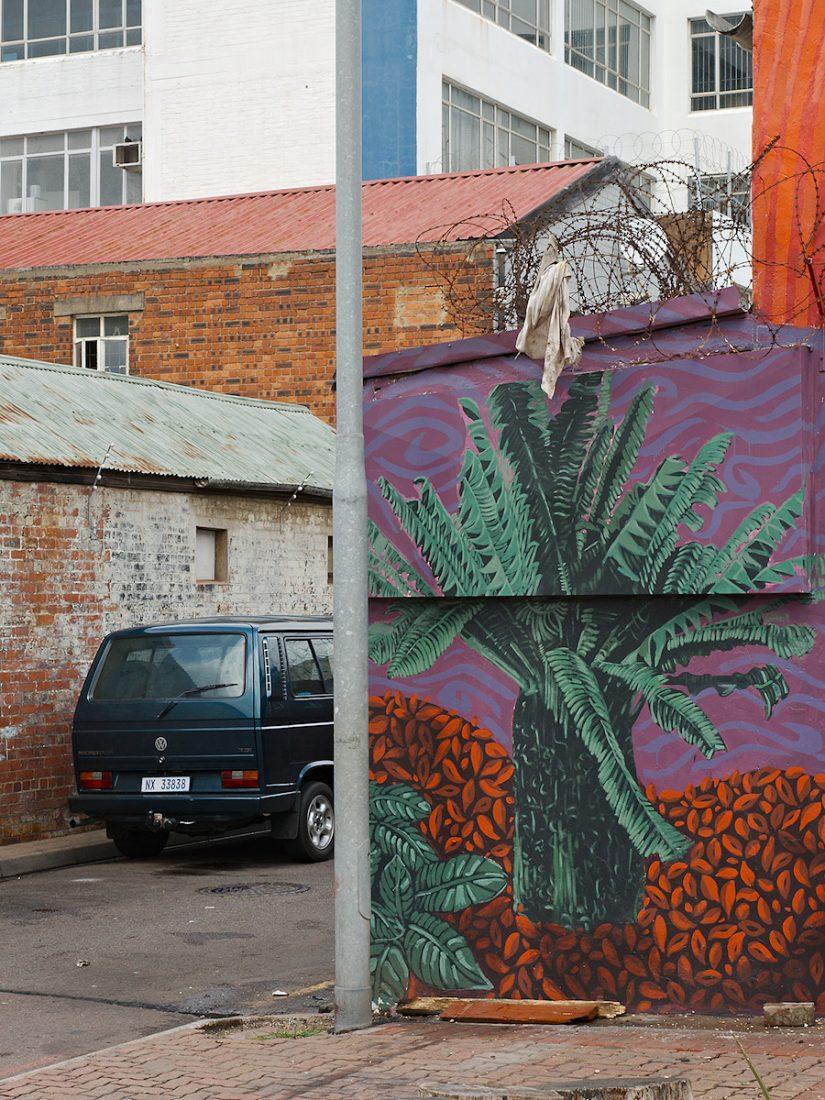 Palm On The Wall: Graffiti, Mural, Urban