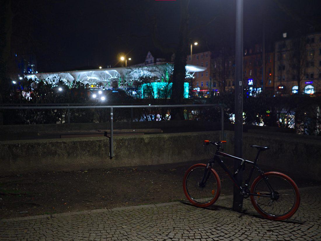 Red Accents: Blog, Urban, bicicyle, night