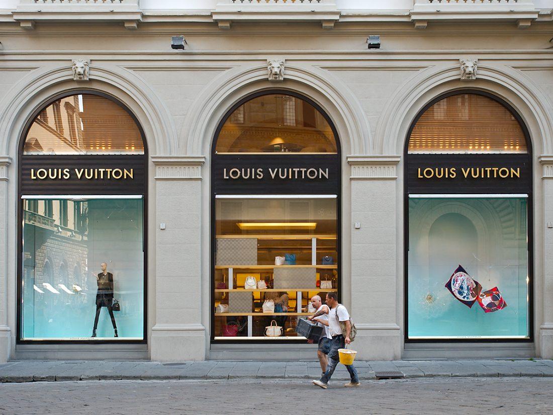 Louis & Vuitton / Men at Work: Blog, Shop Windows, Urban