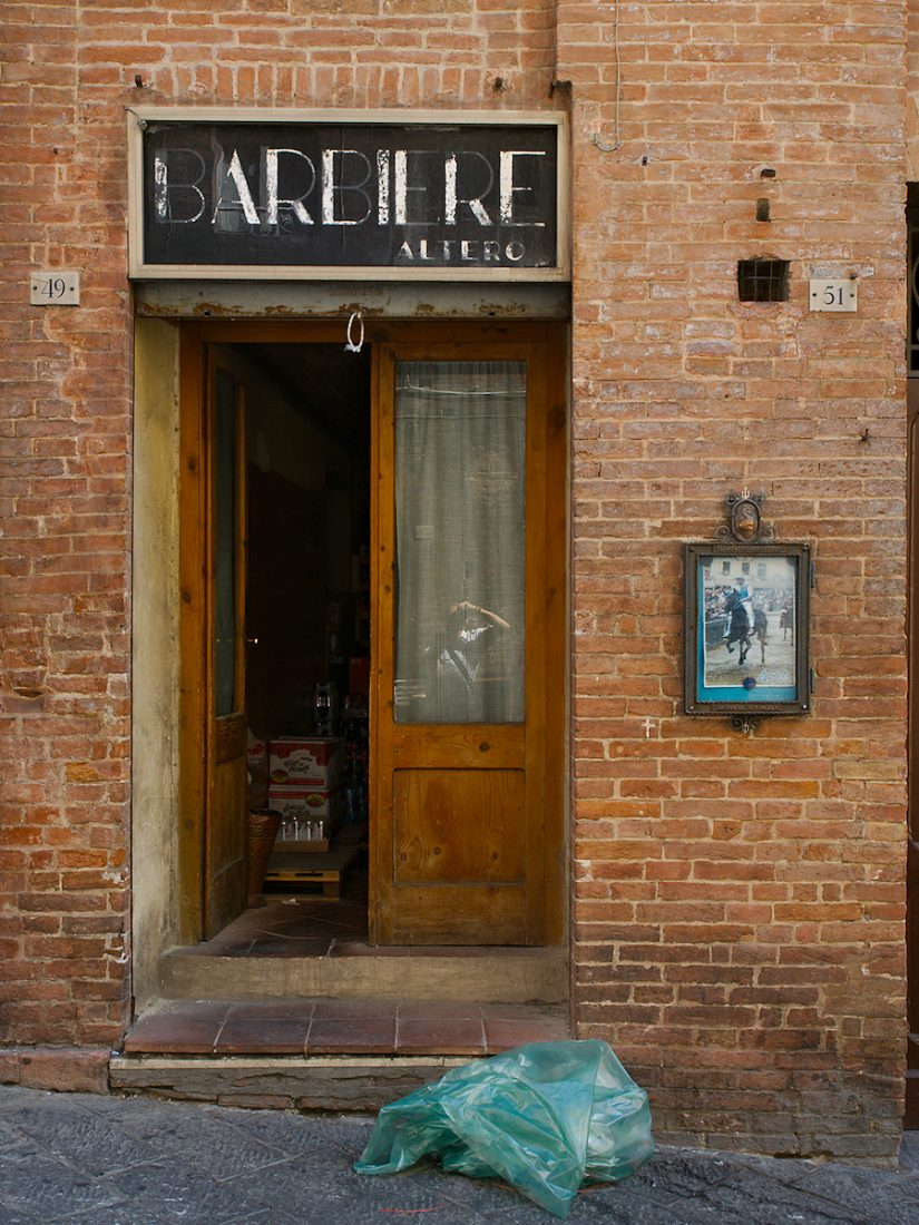 BARBIERE: Blog, Urban, brick wall