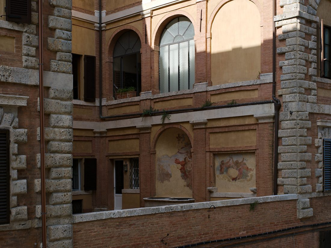 Fresco al Balcony: Blog, Urban