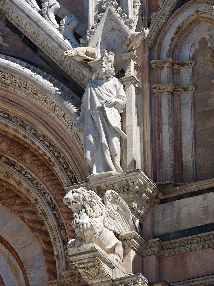Gargoyle and Saint: Ars Sacra, Blog, Urban, church
