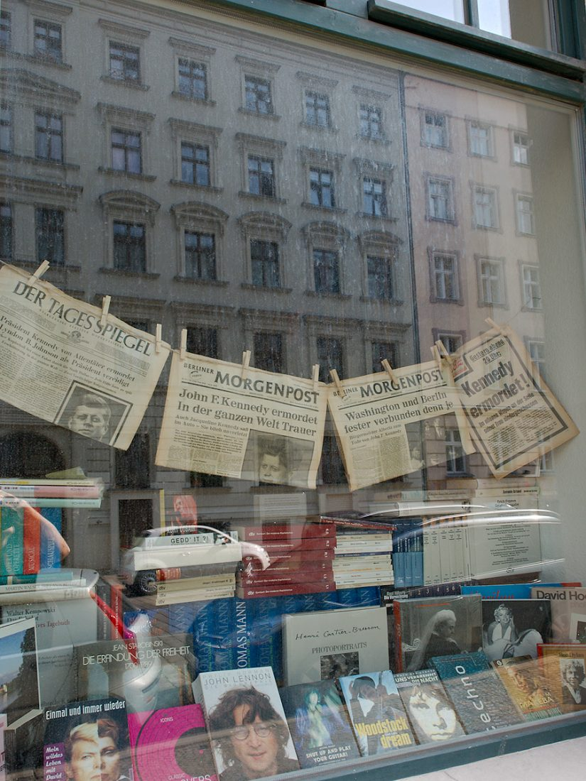 Kennedy / Lennon / Cartier-Bresson: Blog, Urban, shop window