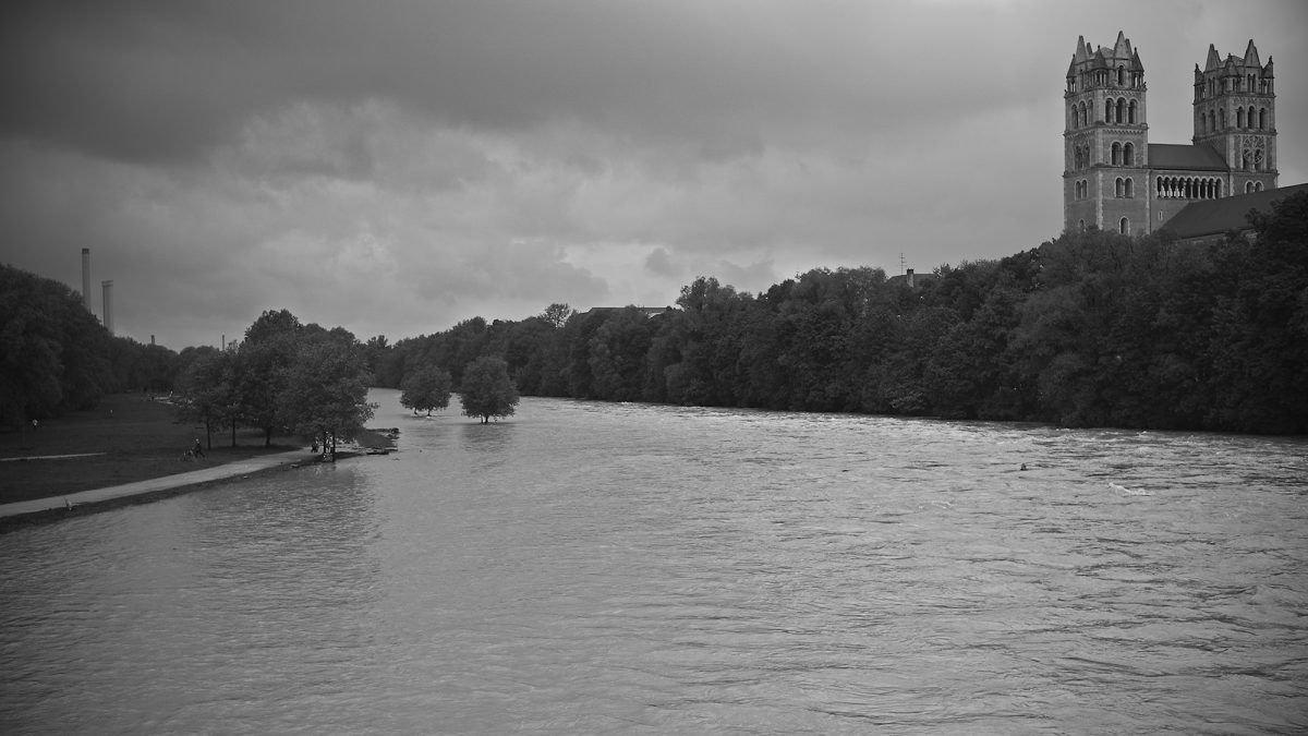 Plenty of Water, Reichenbachbrücke, Munich, Black & White, Urban, Flood, River Isar