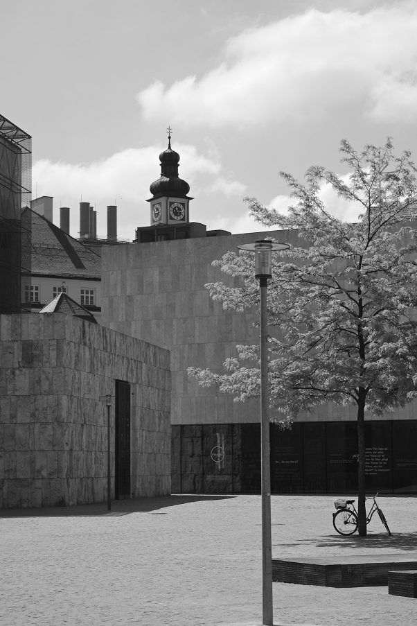 The Trinity, St. Sebastiansplatz, Munich, Black & White, Pentax-M 2.0 85mm, Urban, , the Seven