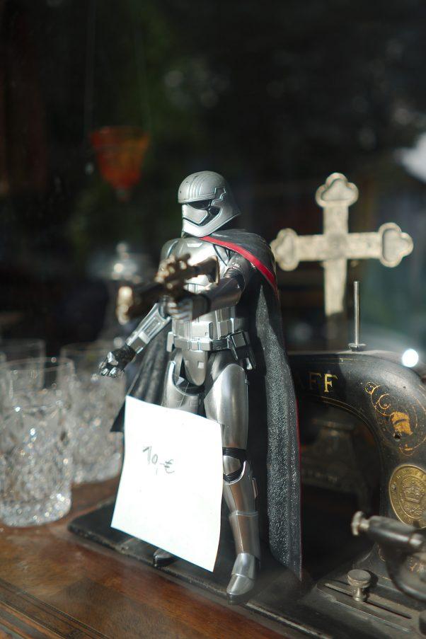 The new Crusader - In hoc Signo, Kanalstraße 5, Bad Reichenhall, Shop Windoww, Urban