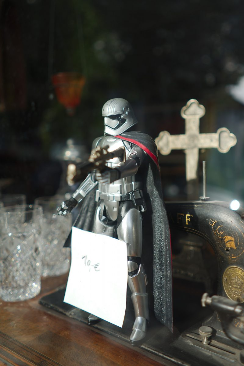 The new Crusader - In hoc Signo, Kanalstraße 5, Bad Reichenhall, Shop Windoww, Urban