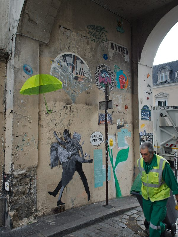 Not his Umbrella, Rue Yvonne Le Tac, Paris, Common Places, Graffiti, Men at Work, Urban