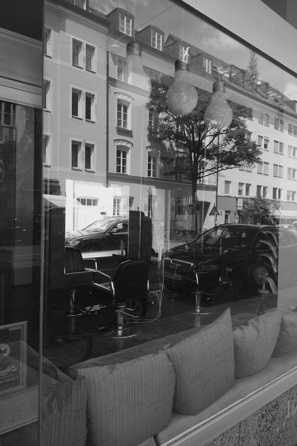 Take a Seat, Fraunhoferstr., Munich, Black & White, Urban