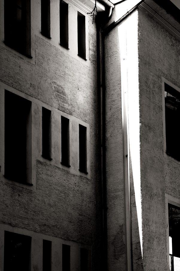 Sun Wedge, Klenzestraße, Munich, Black & White, Urban