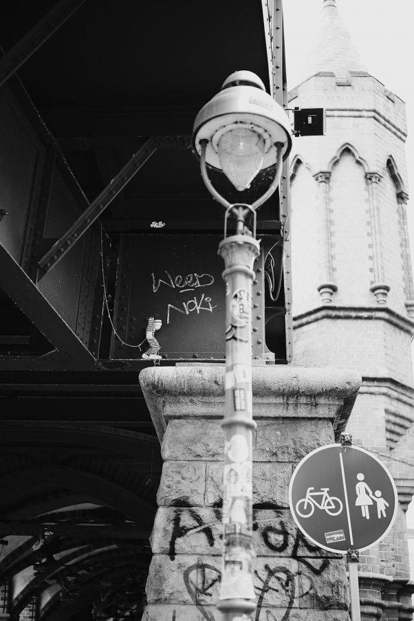 Weed Victim, Falckensteinstraße 48, Berlin, geotagged, Black & White, Common Places, Graffiti, Urban