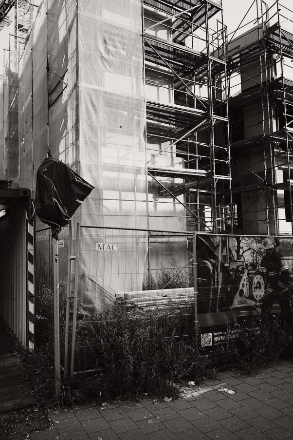 Unfinished Christo, Kieler Straße 189, Hamburg, geotagged, Black & White, Common Places, Urban