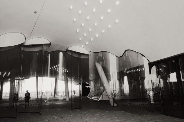 A wavy Affair, Elbe Philharmonic Hall, Hamburg, geotagged, Black & White, Common Places, Elbphilharmonie, Urban