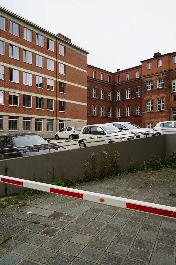 Backyard Barrier, downtown, Nuremberg, Common Places, Urban