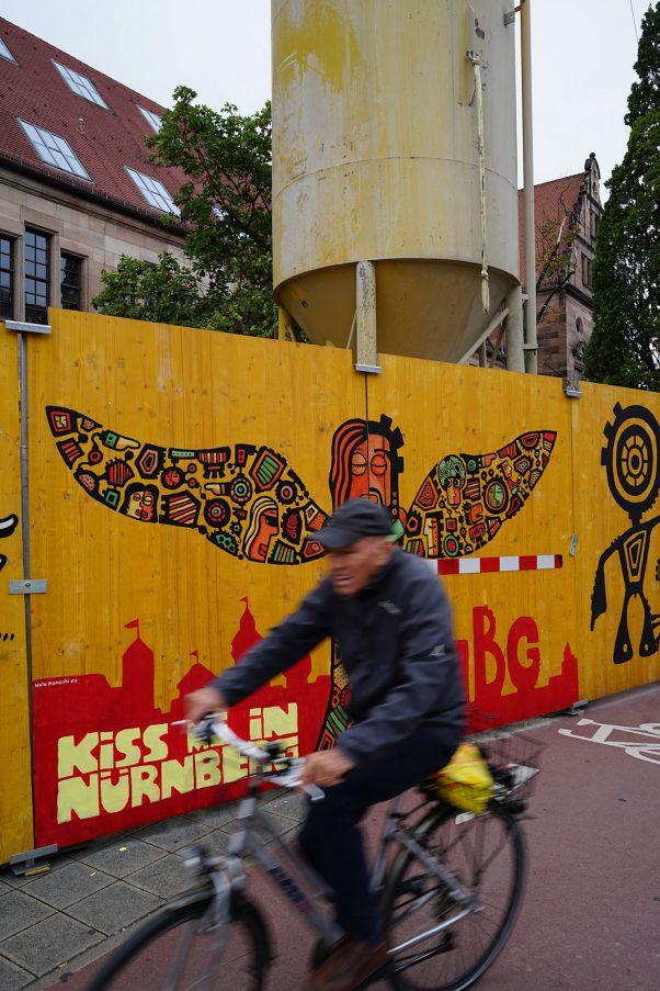 Kiss me in Nürnberg, Königstorgraben, Nuremberg, Common Places, Mural, Urban