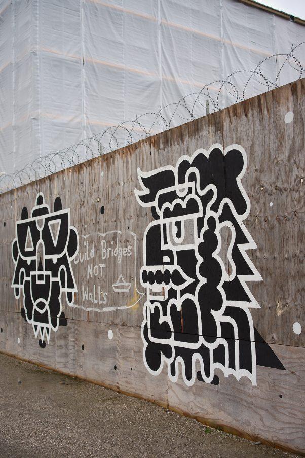 Bridges NOT Walls, Königsplatz, Munich, Graffiti, Politics, Urban